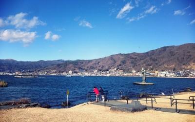 諏訪湖も暖かい